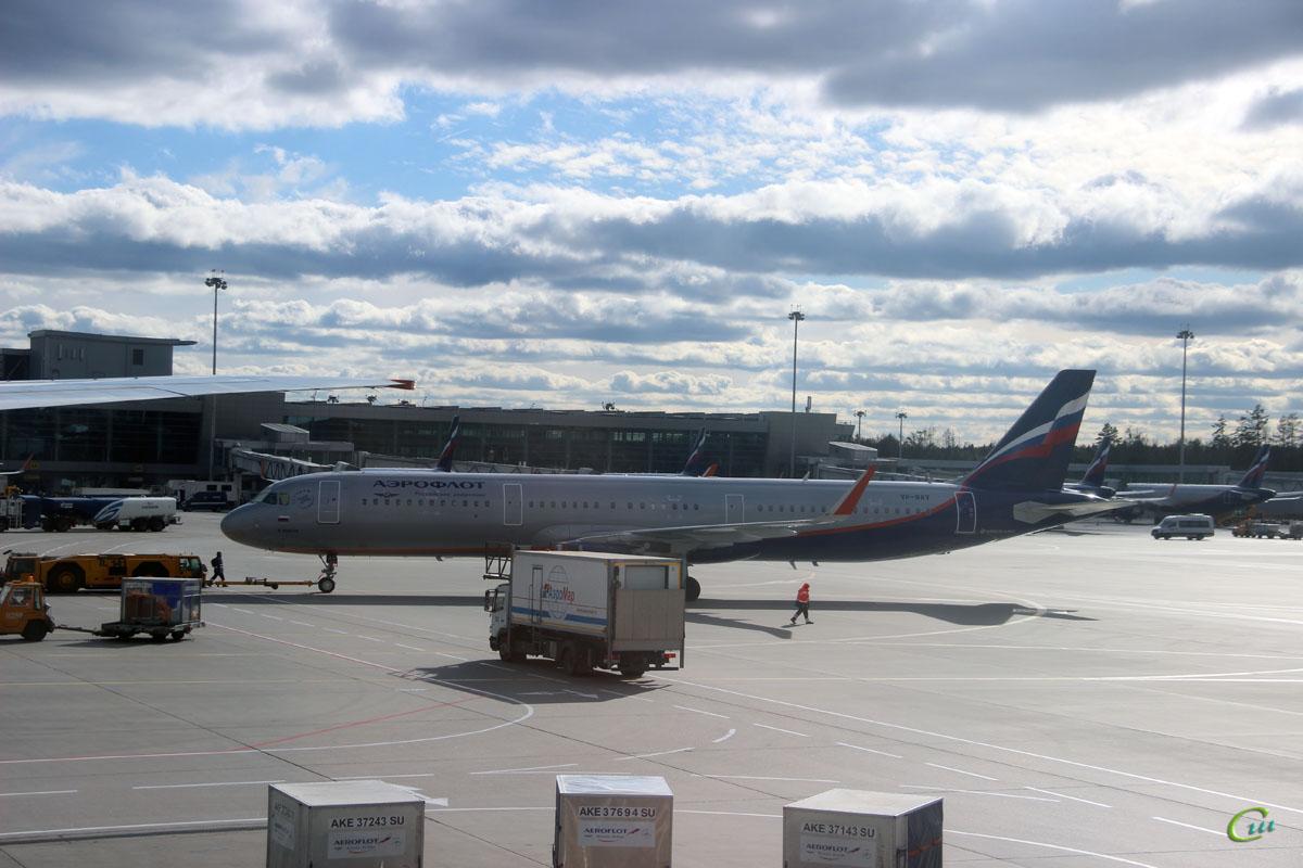 Москва. Самолет Airbus A321 (VP-BAV) Федор Ушаков авиакомпании Аэрофлот (Aeroflot)