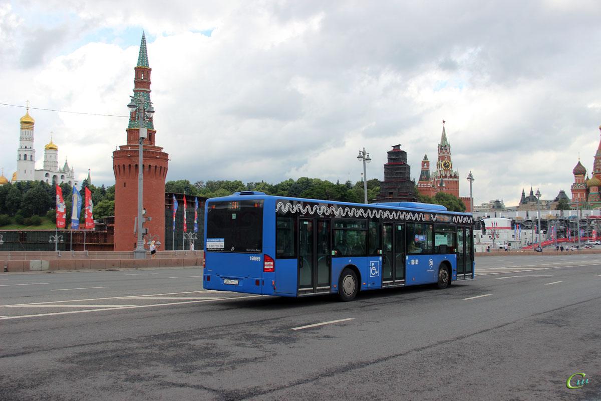 Москва. Mercedes-Benz O345 Conecto LF о847мт