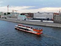 Москва. Теплоход Прага, построенный в 1984 году по проекту Москва Р-51Э