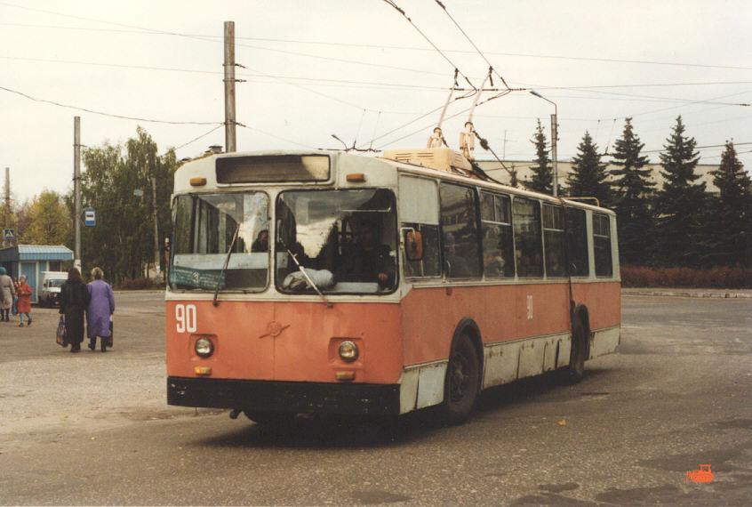 Дзержинск. ЗиУ-682В №90