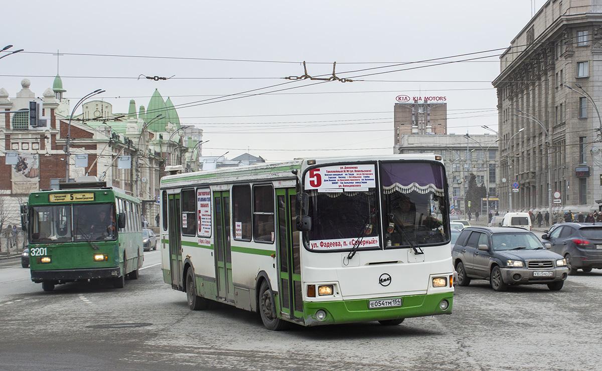 Новосибирск. ВМЗ-201 №3201, ЛиАЗ-5256.45 е054тм