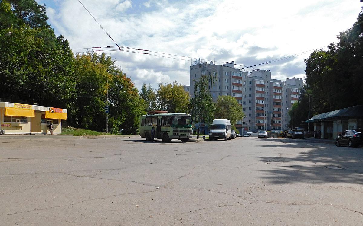 Калуга. Конечная троллейбусных маршрутов 2 и 17