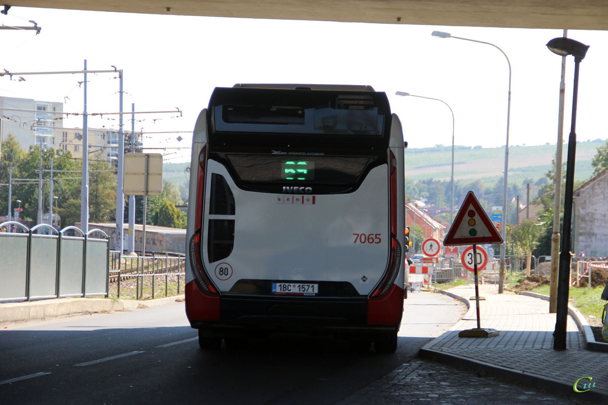 Брно. Iveco Urbanway 12M CNG 1BC 1571