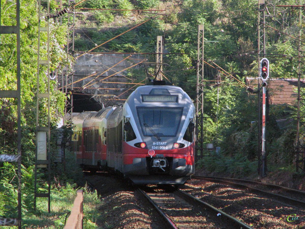 Будапешт. Stadler FLIRT (EMU) № 5341 008-0