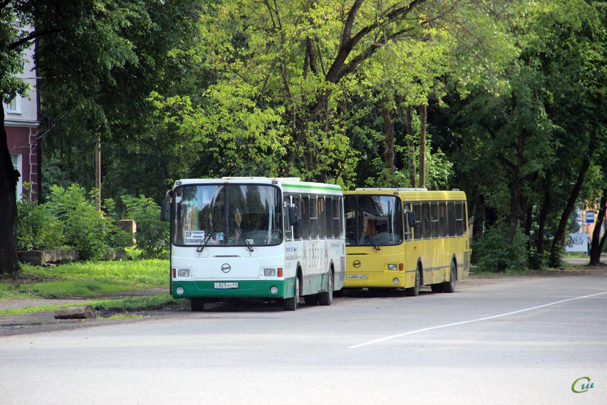 Вышний Волочёк. ЛиАЗ-5256.45 о823но, ЛиАЗ-5256.36 а089св