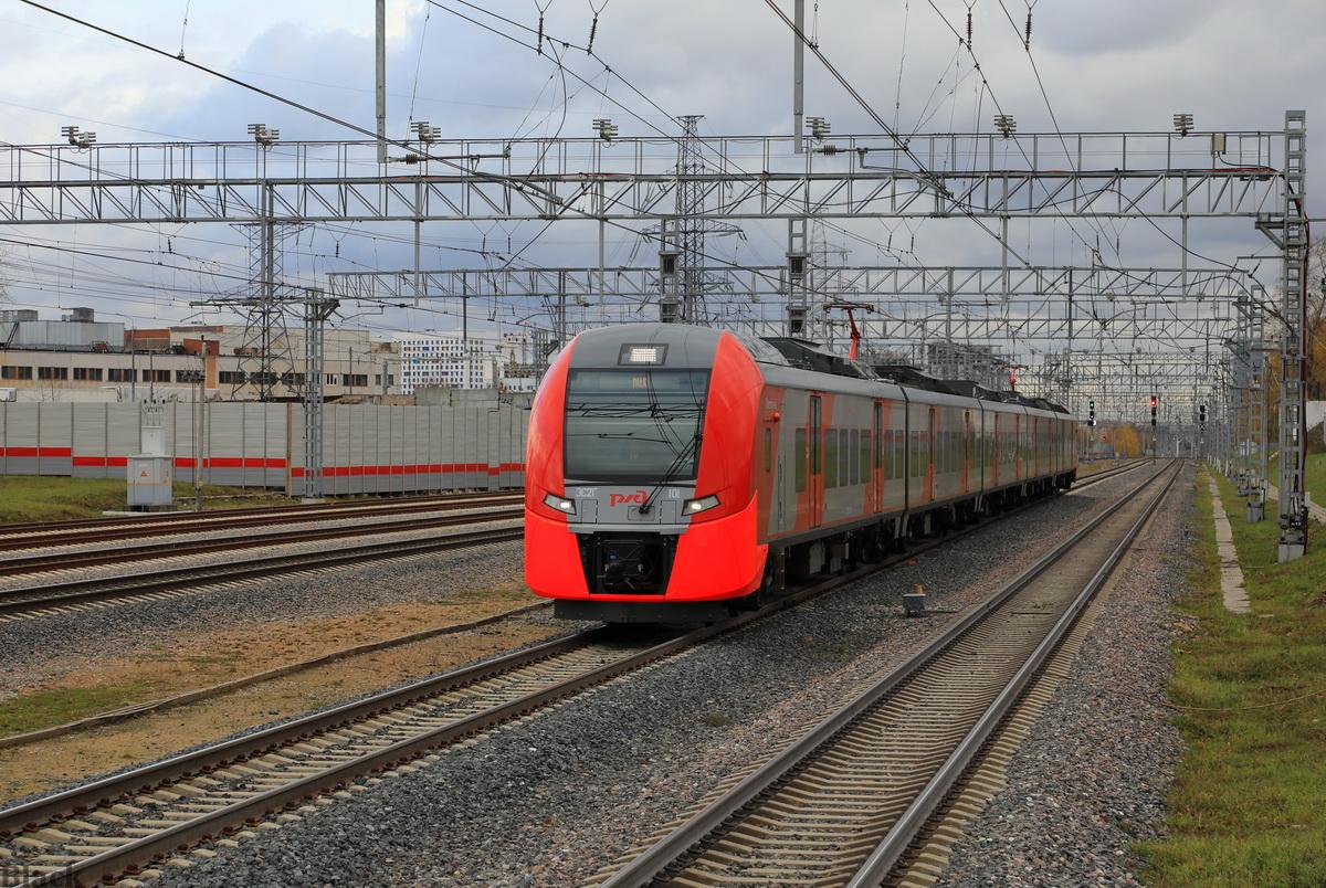 Москва. ЭС2Г-101 Ласточка