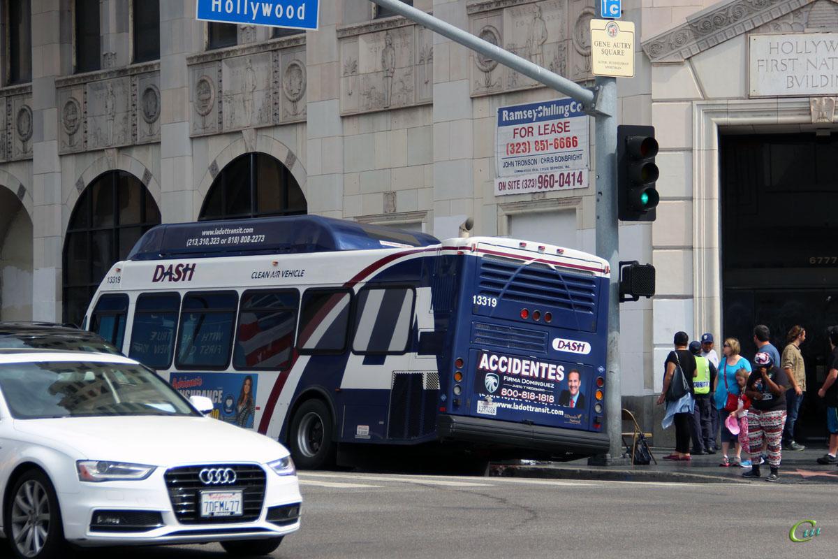 Лос-Анджелес. ElDorado National E-Z Rider II BRT 1397236