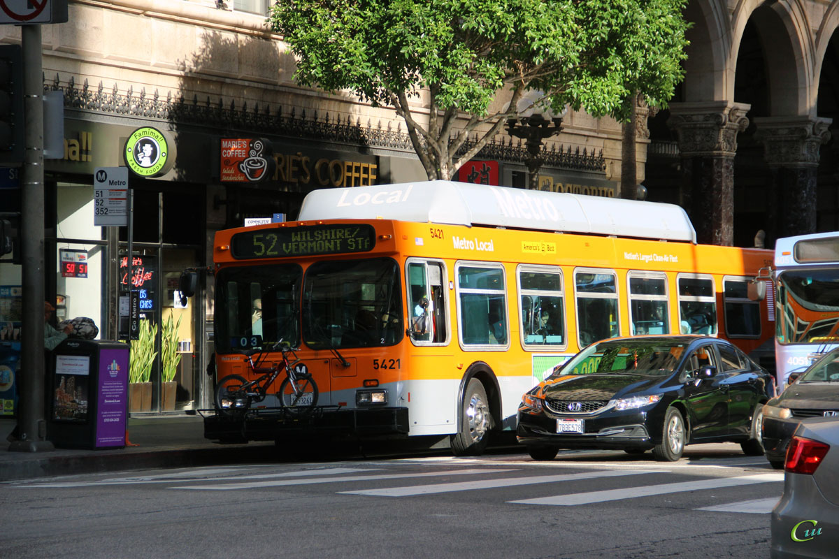 Лос-Анджелес. New Flyer C40LF 1093261