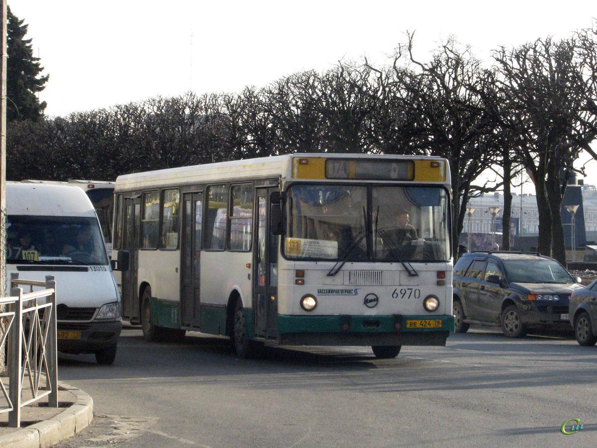 Санкт-Петербург. ЛиАЗ-5256.25 ве424, Mercedes-Benz Sprinter 408CDI аа692