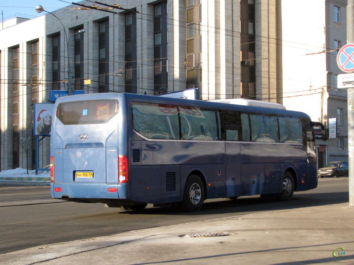 Москва. Hyundai Universe Space Luxury ам966