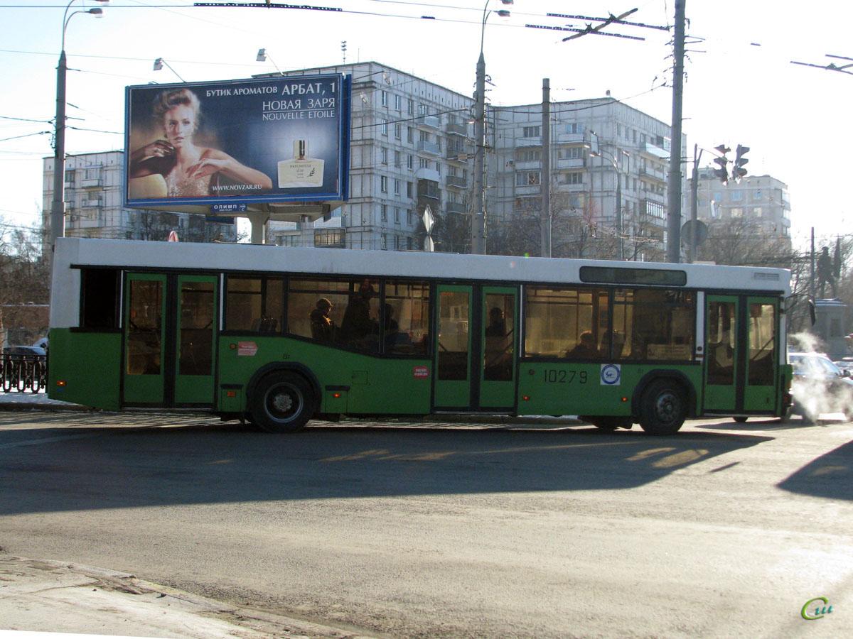 Москва. МАЗ-103.041 ав771