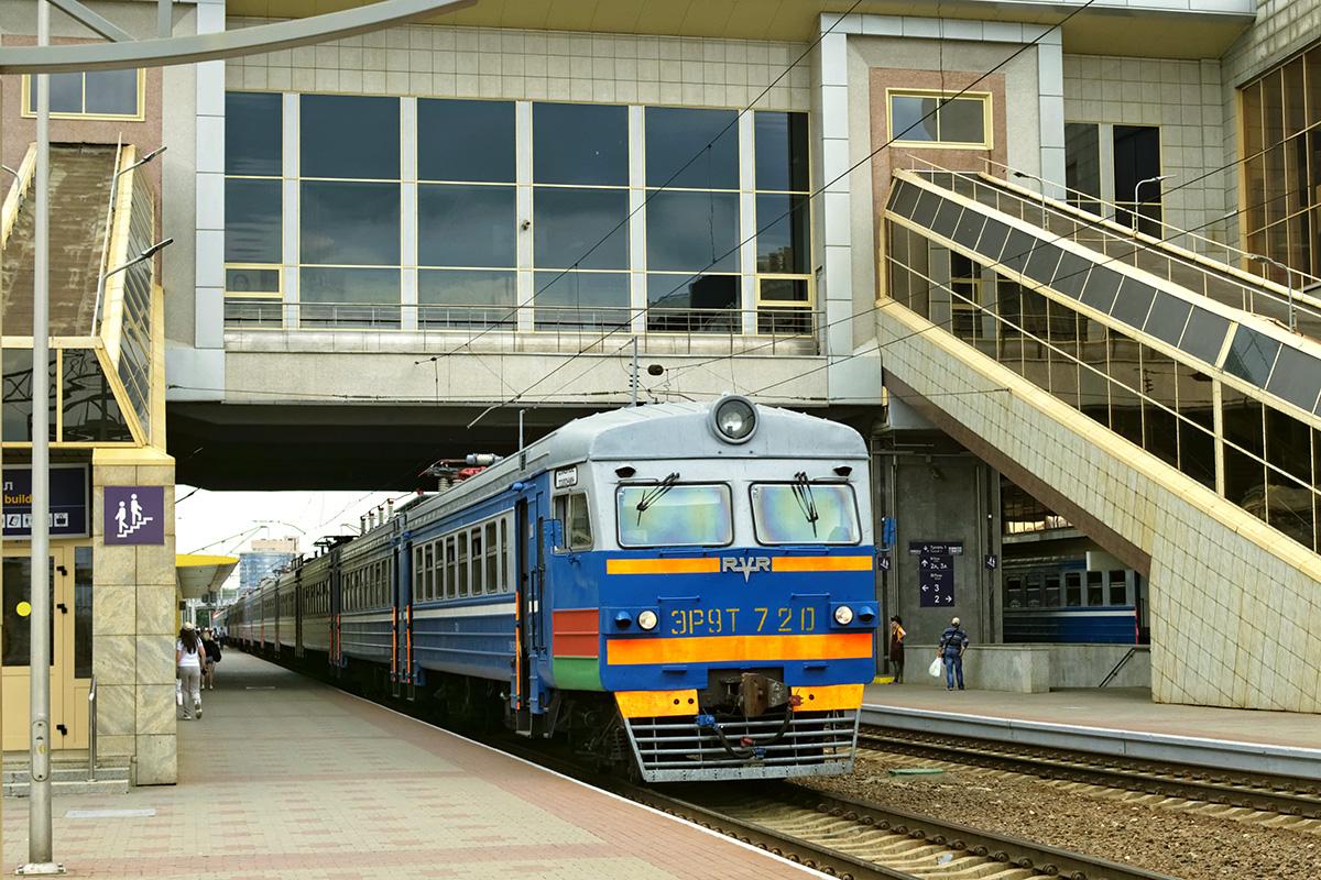 Минск. ЭР9Т-720