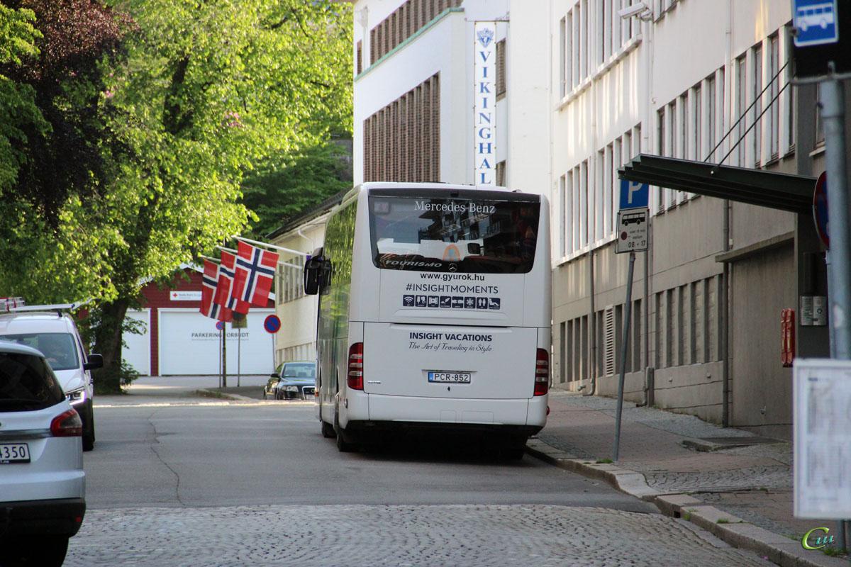 Берген. Mercedes-Benz Tourismo PCR-852