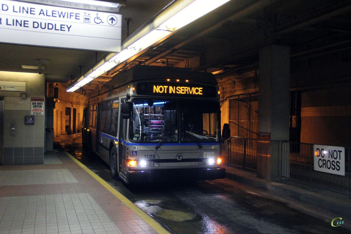 Бостон. Neoplan DMA-460LF №1128