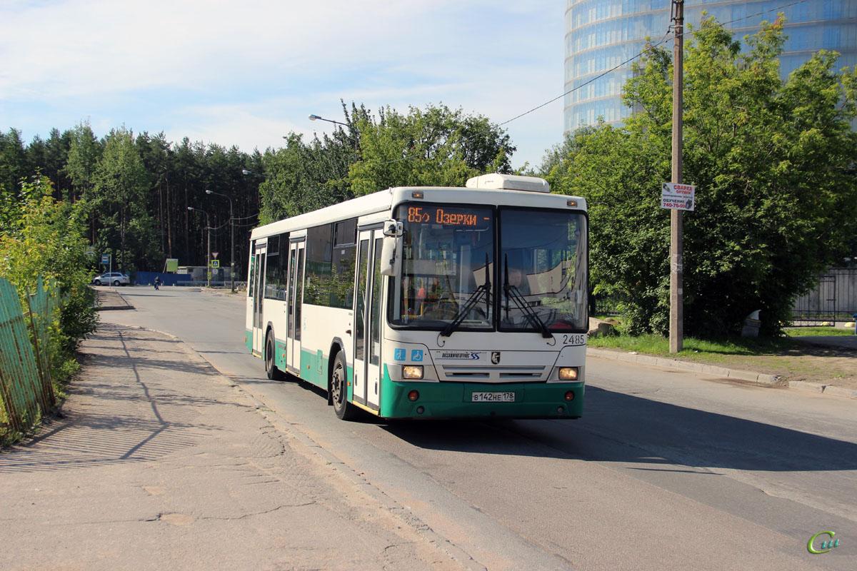 Санкт-Петербург. НефАЗ-52994-40-42 в142не