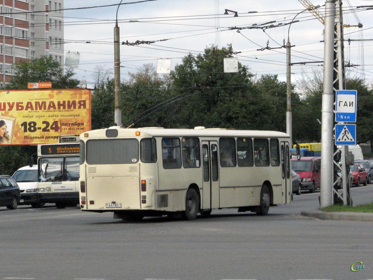 Брест. Mercedes-Benz O307 AA7360-1