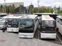 Москва. Mercedes-Benz Tourismo с213хр, Neoplan N1116 Cityliner е556су, Yutong ZK6122H9 р601нн