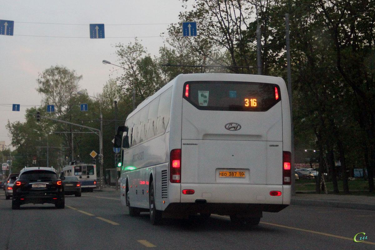 Москва. Hyundai Universe Space Luxury ео387