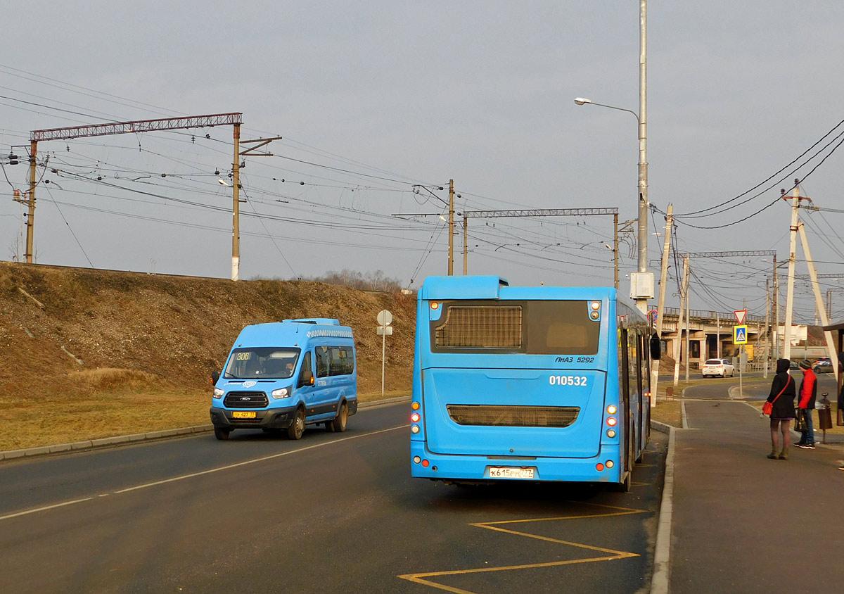 Москва. ЛиАЗ-5292.22 к615рм, Нижегородец-2227 (Ford Transit FBD) тр427