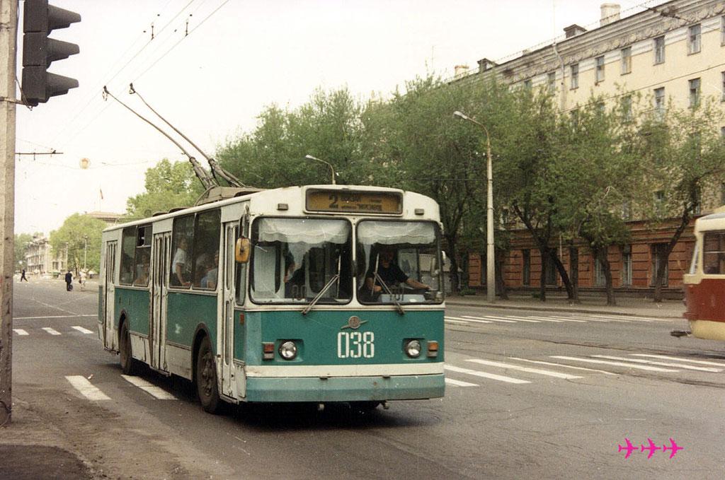 Новокузнецк. ЗиУ-682В-013 (ЗиУ-682В0В) №038