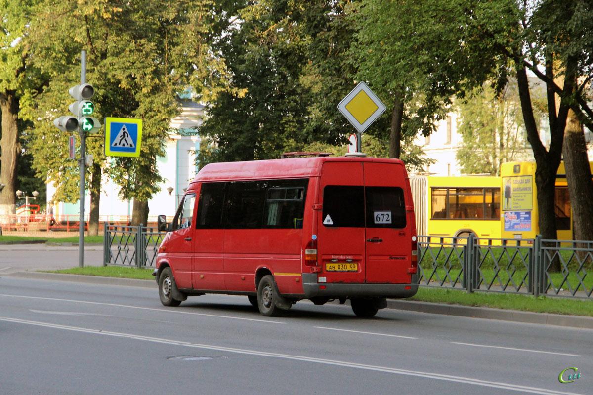 Псков. Mercedes-Benz Sprinter 308CDI ав030