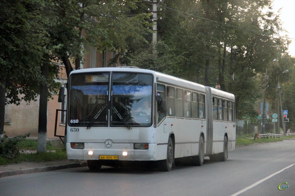 Псков. Mercedes-Benz O345G аа454
