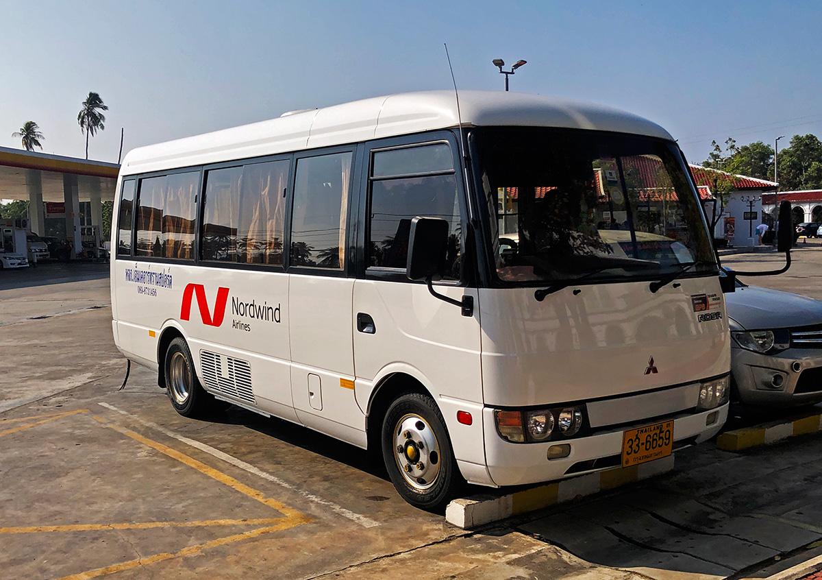 Пхукет. Mitsubishi Fuso Rosa 33-6659