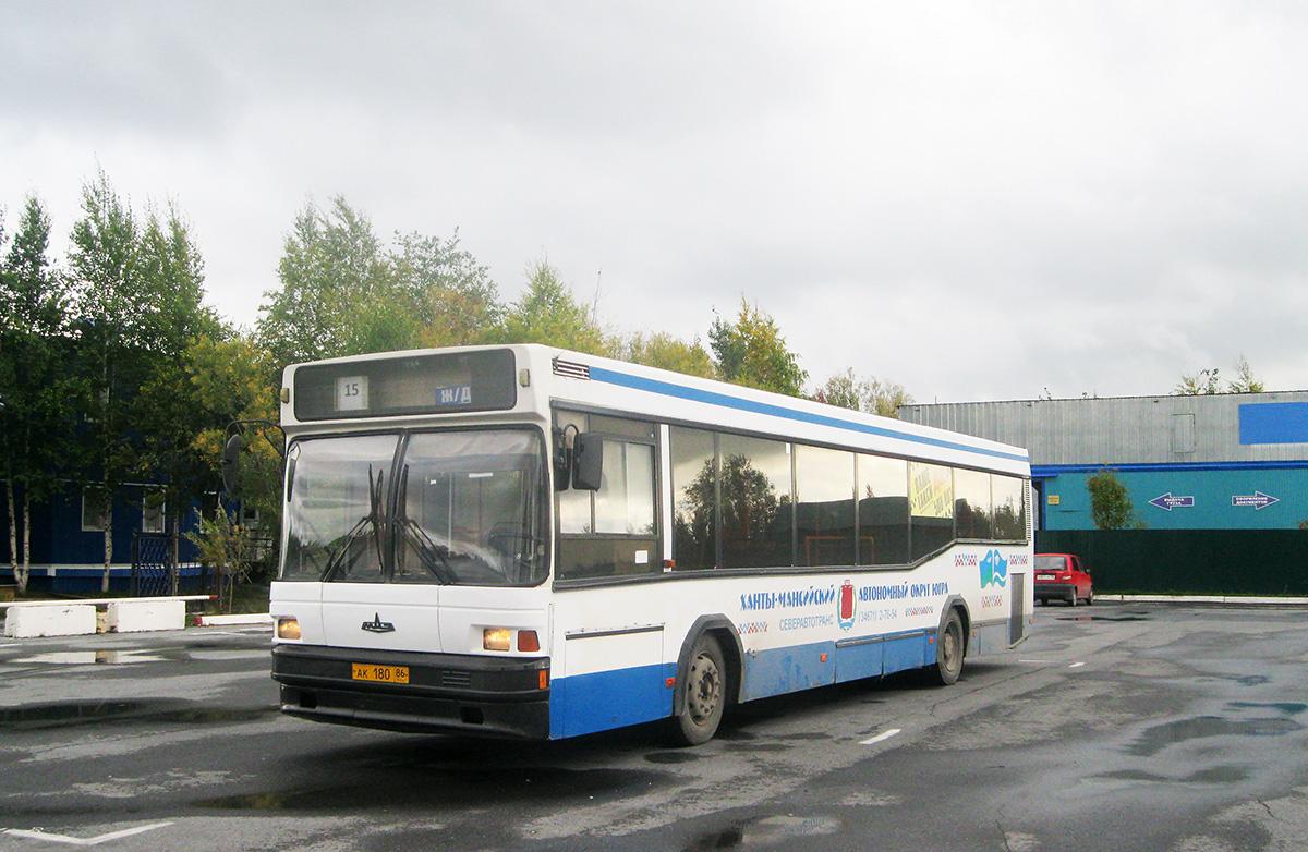 Нижневартовск. МАЗ-104.Х25 ак180