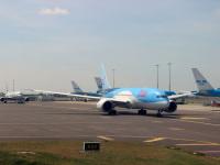 Амстердам. Самолет Boeing 787 (PH-TFM) авиакомпании TUI Airlines