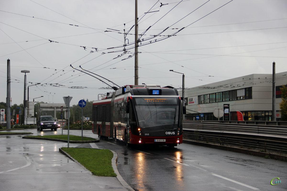 Зальцбург. Solaris Trollino 18 AC MetroStyle №352