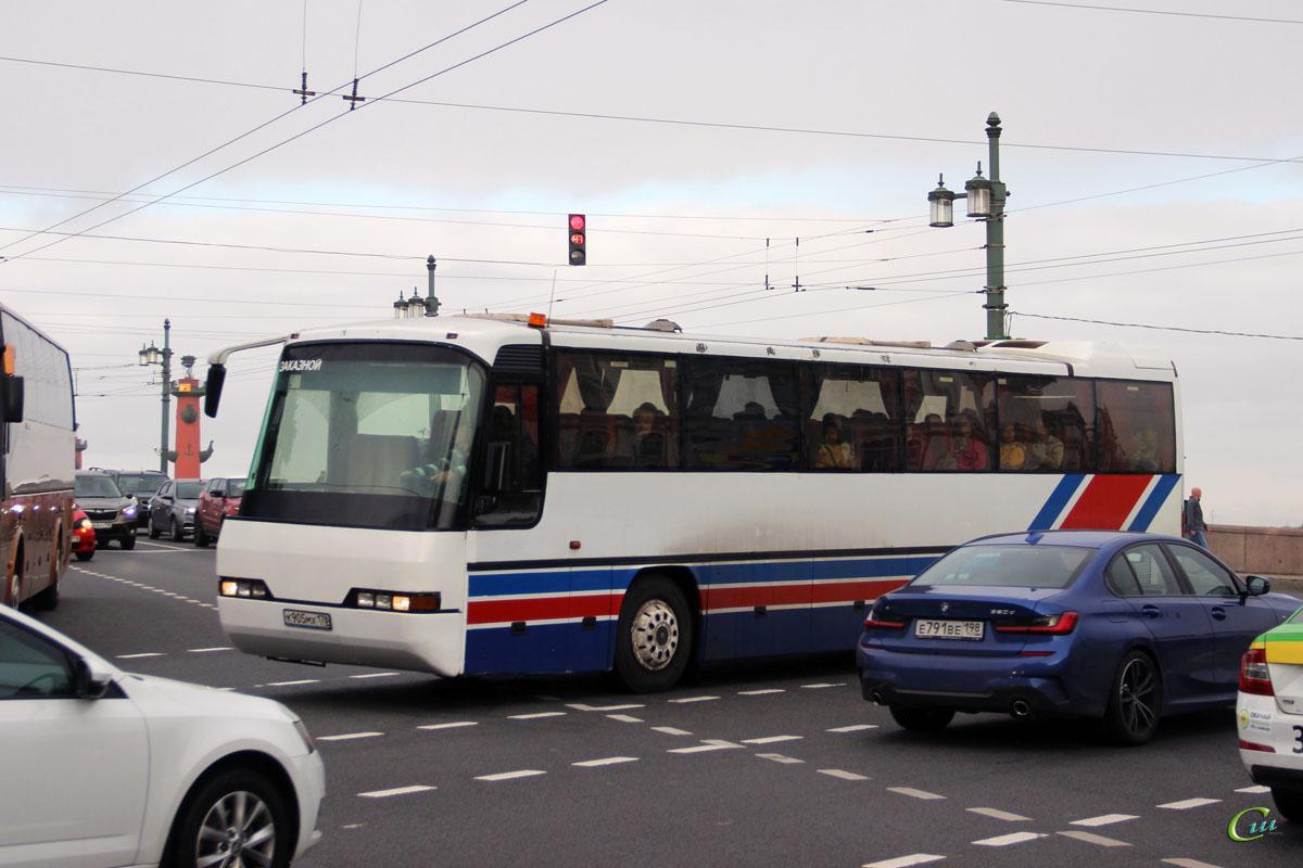 Санкт-Петербург. Neoplan N316K Transliner к905мх