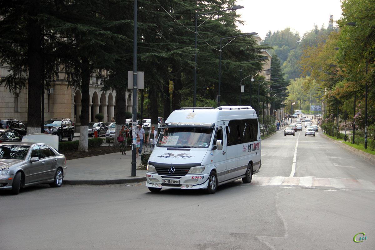 Кутаиси. Mercedes-Benz Sprinter 313CDI NNM-090