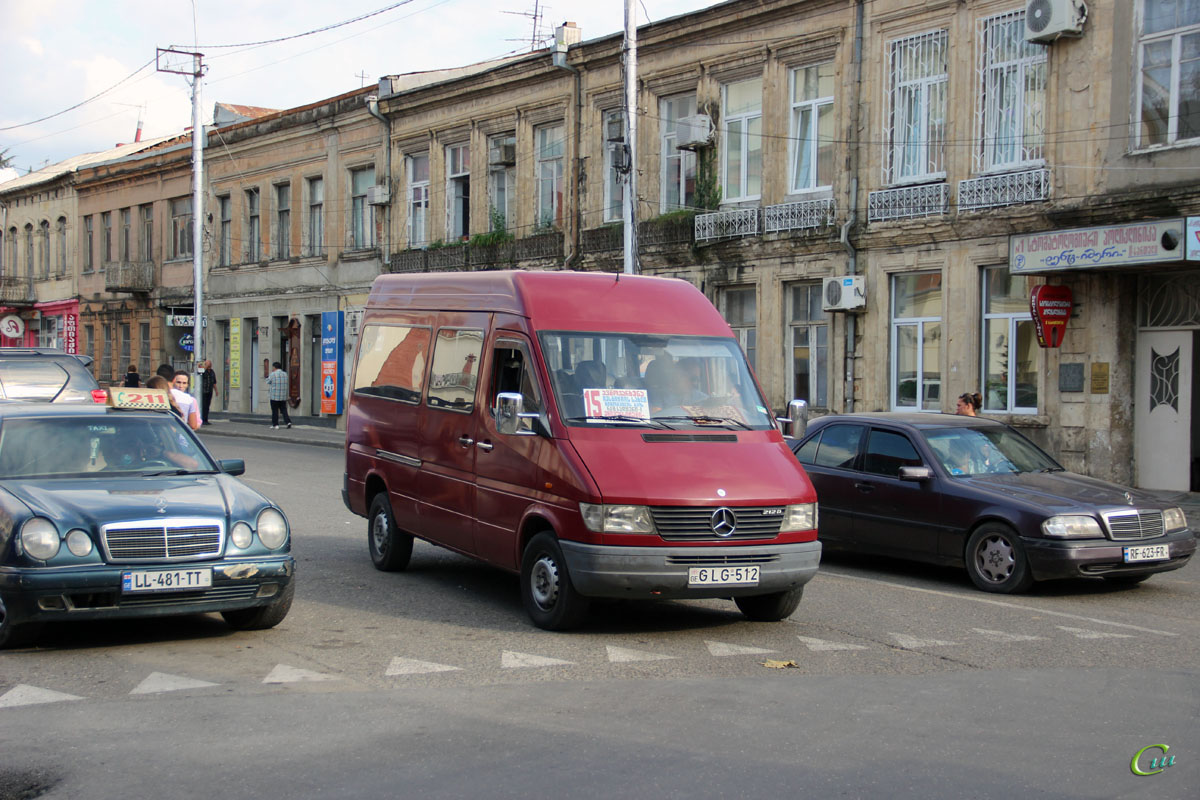 Кутаиси. Mercedes-Benz Sprinter 212D GLG-512