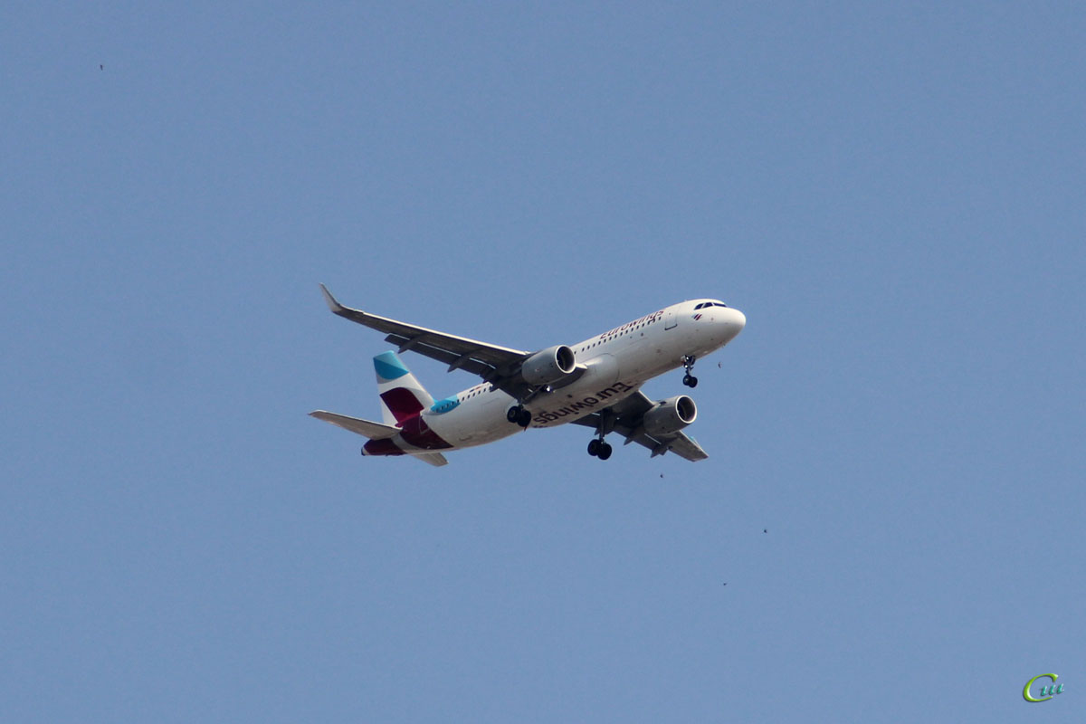 София. Самолет Airbus A320 (D-AEWF) авиакомпании Eurowings