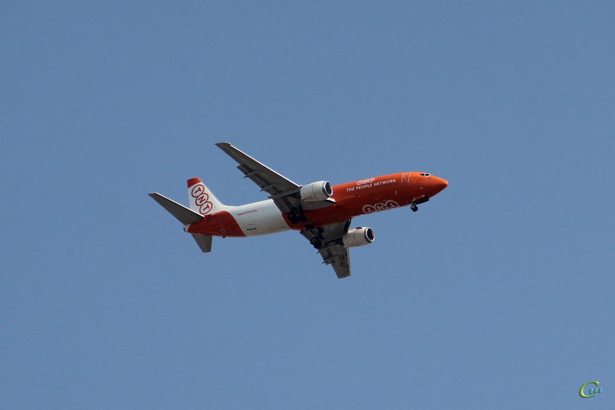 София. Самолет Boeing 737 (OE-IAE) авиакомпании TNT Airways