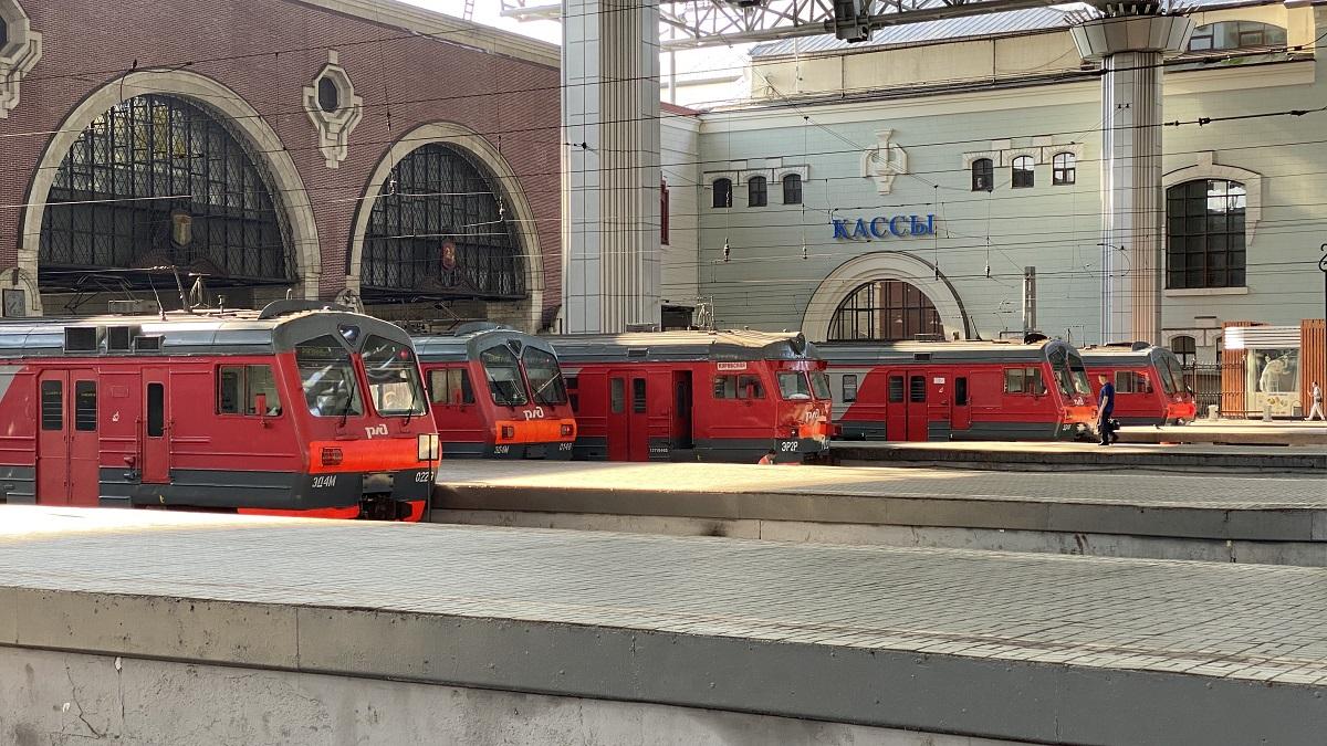 Москва. ЭД4М-0148, ЭД4М-0229, ЭР2Р-7023