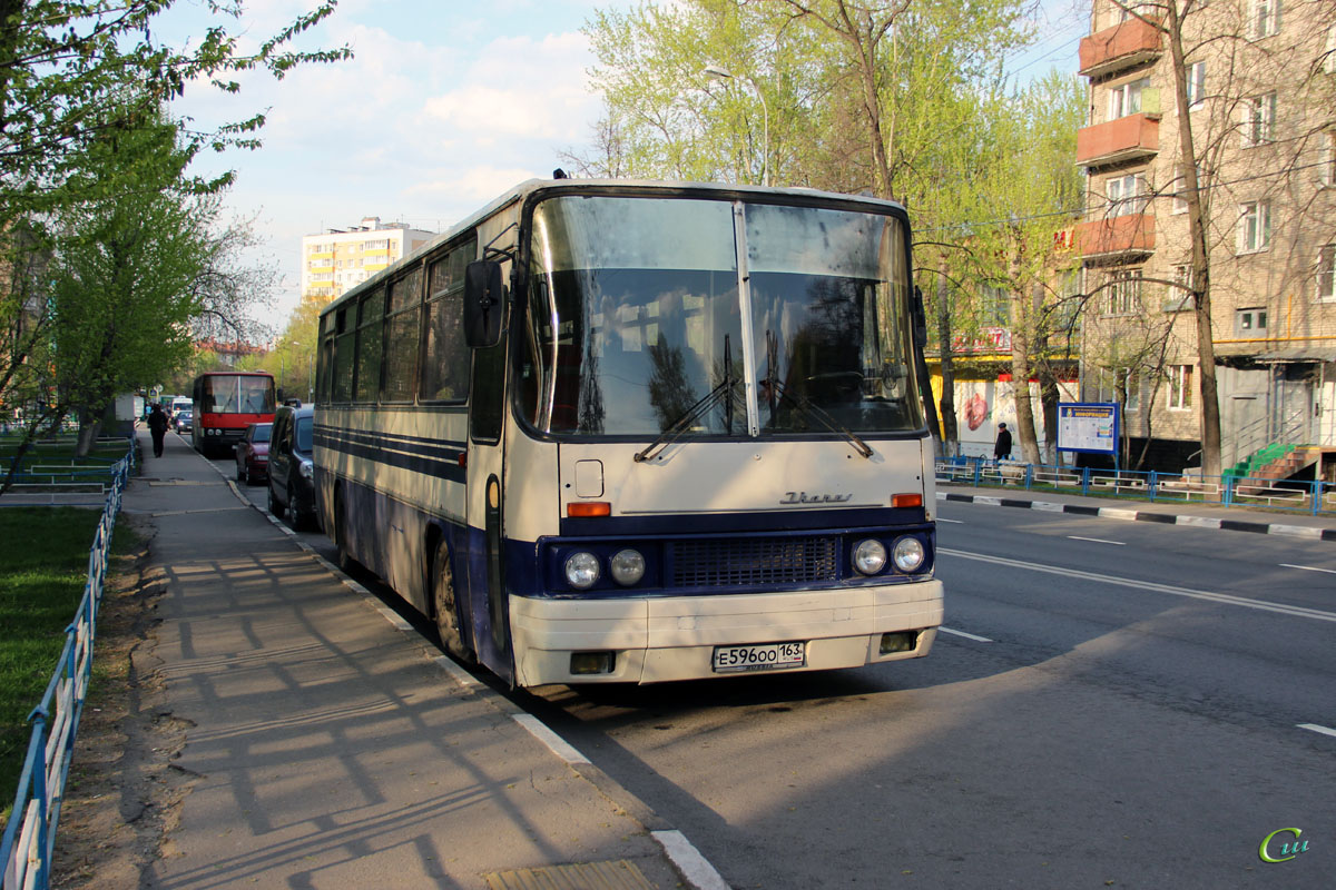 Москва. Ikarus 256.54 е596оо