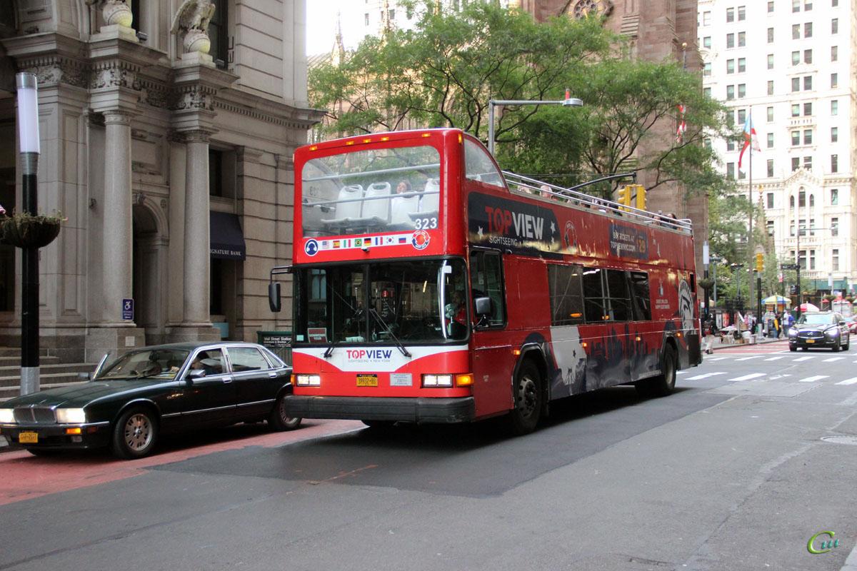 Нью-Йорк. Gillig Low Floor 39932-BB