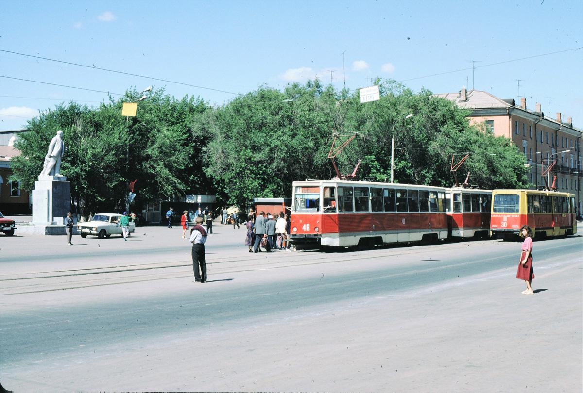 Новотроицк. 71-605 (КТМ-5) №30, 71-605 (КТМ-5) №048, 71-605 (КТМ-5) №48