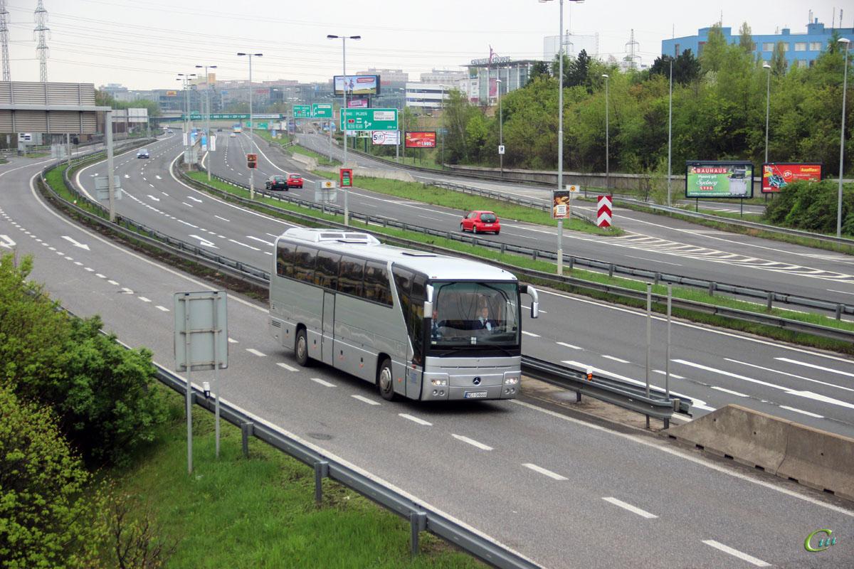 Прага. Mercedes-Benz O350 Tourismo NGI 04666