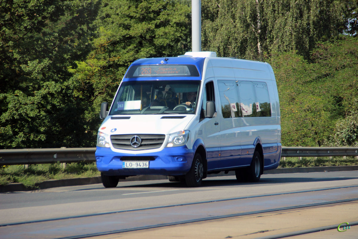 Рига. Universāls (Mercedes-Benz Sprinter 514 BlueTEC) LO-9436