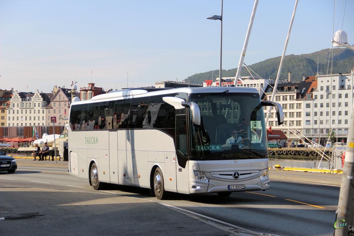 Берген. Mercedes-Benz Tourismo LY 84579
