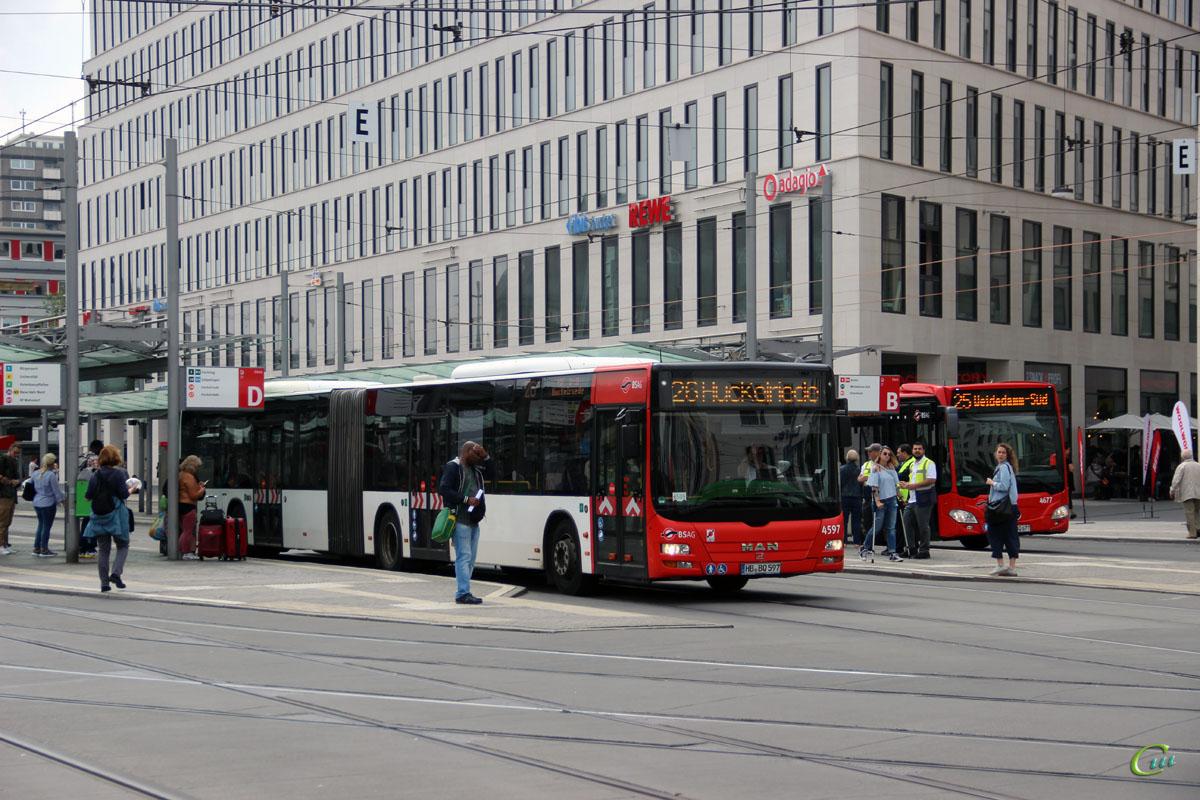 Бремен. MAN A23 Lion's City GL NG323 HB-BQ 597, Mercedes-Benz O530 Citaro G HB-BQ 677