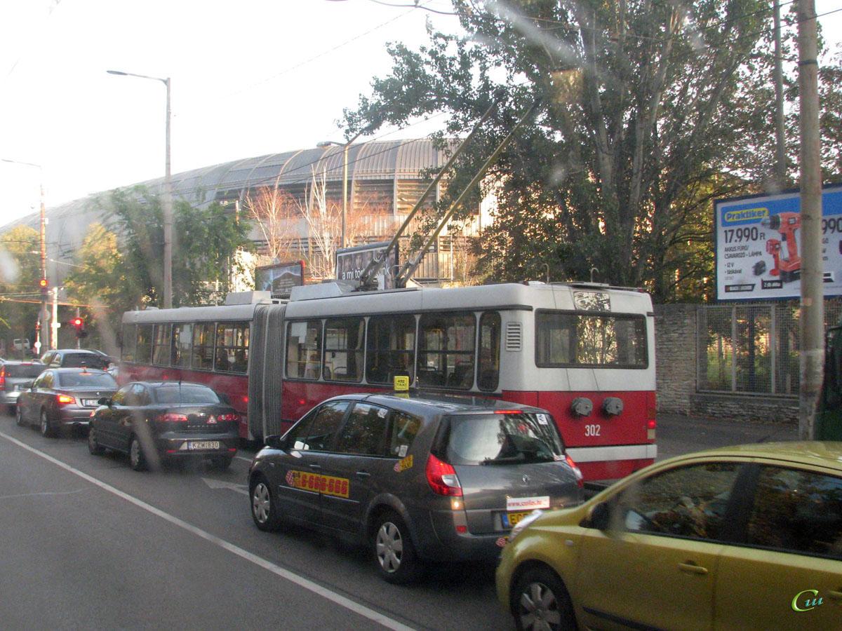Будапешт. Ikarus 435.81 №302