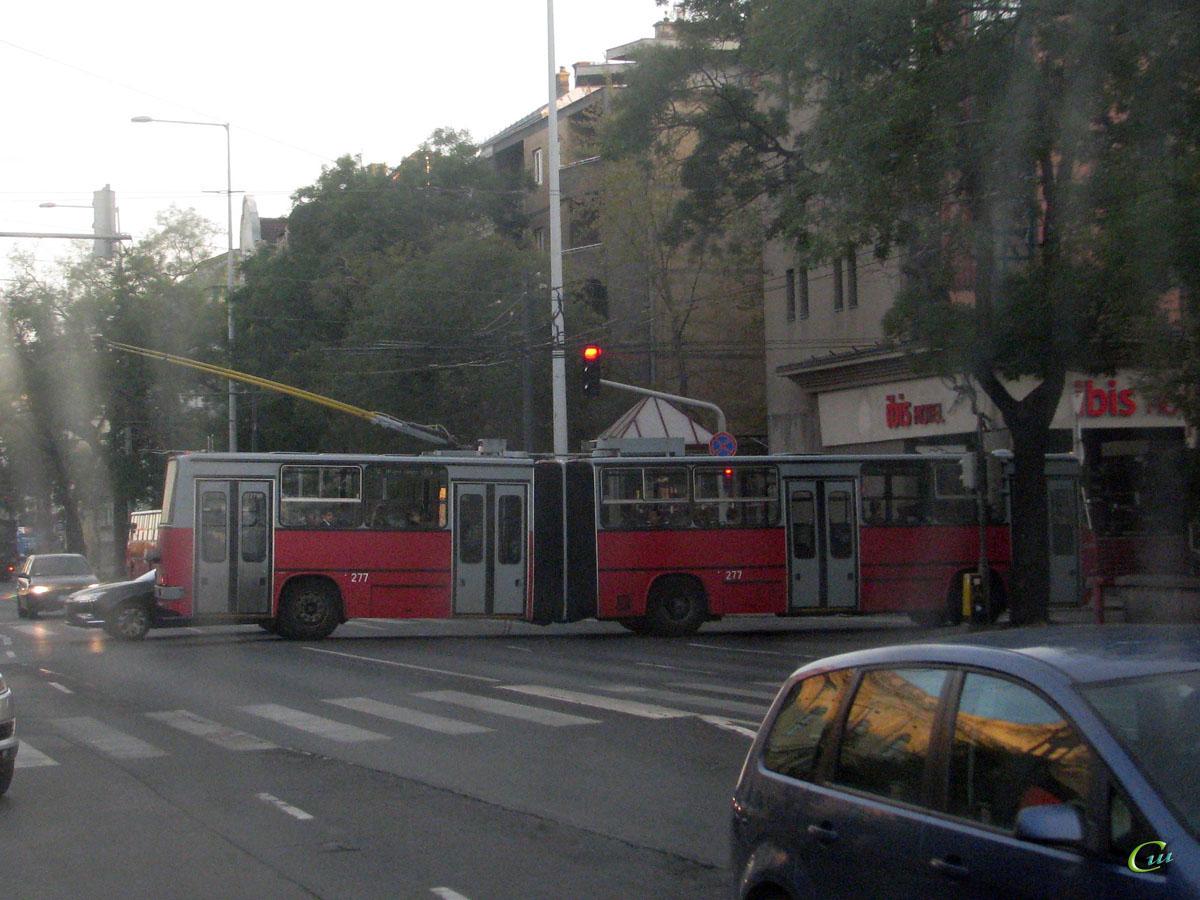 Будапешт. Ikarus 280.94 №277