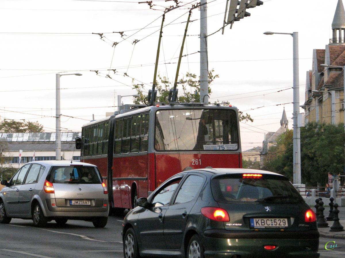Будапешт. Ikarus 280.94 №261