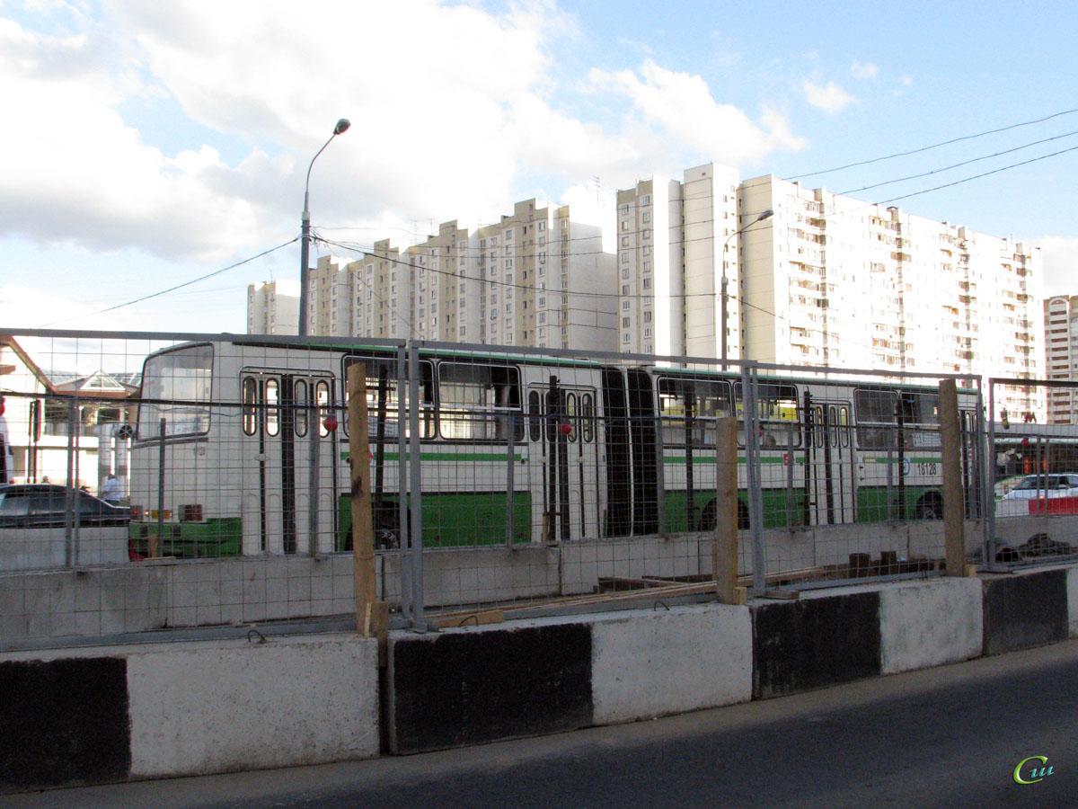 Москва. Ikarus 280.33M вв168