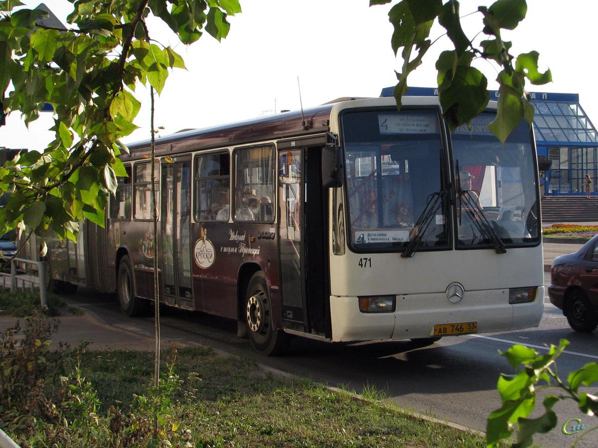 Великий Новгород. Mercedes-Benz O345G ав746