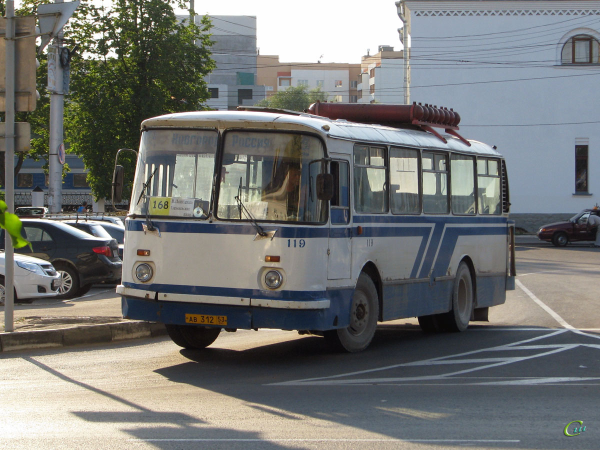 Великий Новгород. ЛАЗ-695Н ав312
