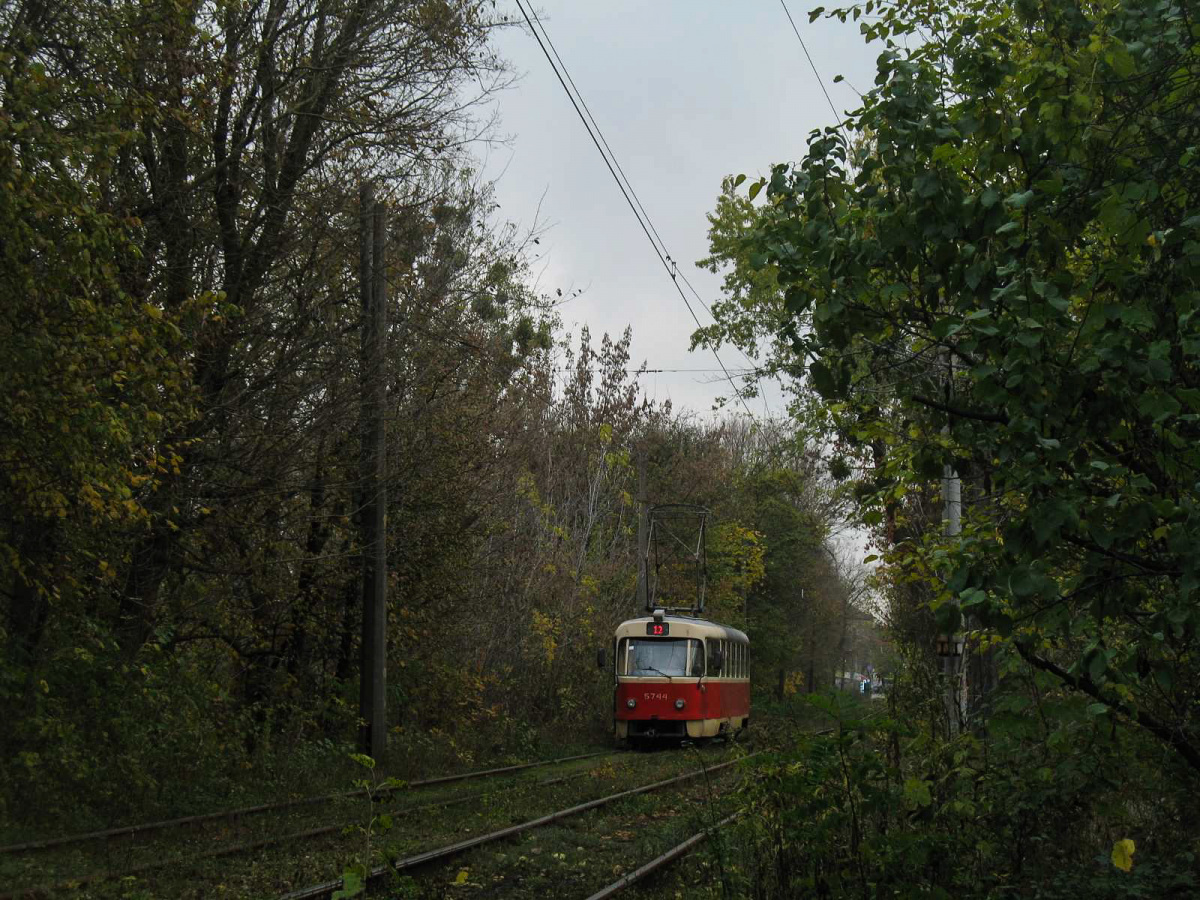 Киев. Tatra T3SU №5744